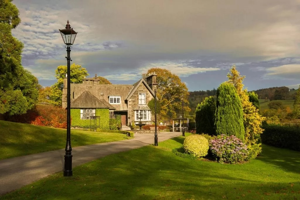 7 Best Small Wedding Venues in Lake District-Outdoor